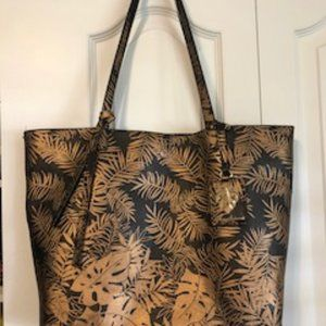 Tommy Bahama Palms Tote with Grab Bag